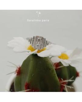 Bague Art déco design modèle Fès en or blanc 750/°°° diamants saralinka